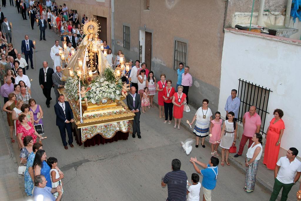 Virgen follada por primera vez se corren dentro de ella